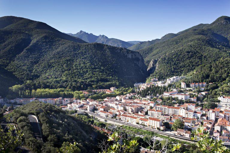 Vue aérienne du village d'Amélie les Bains