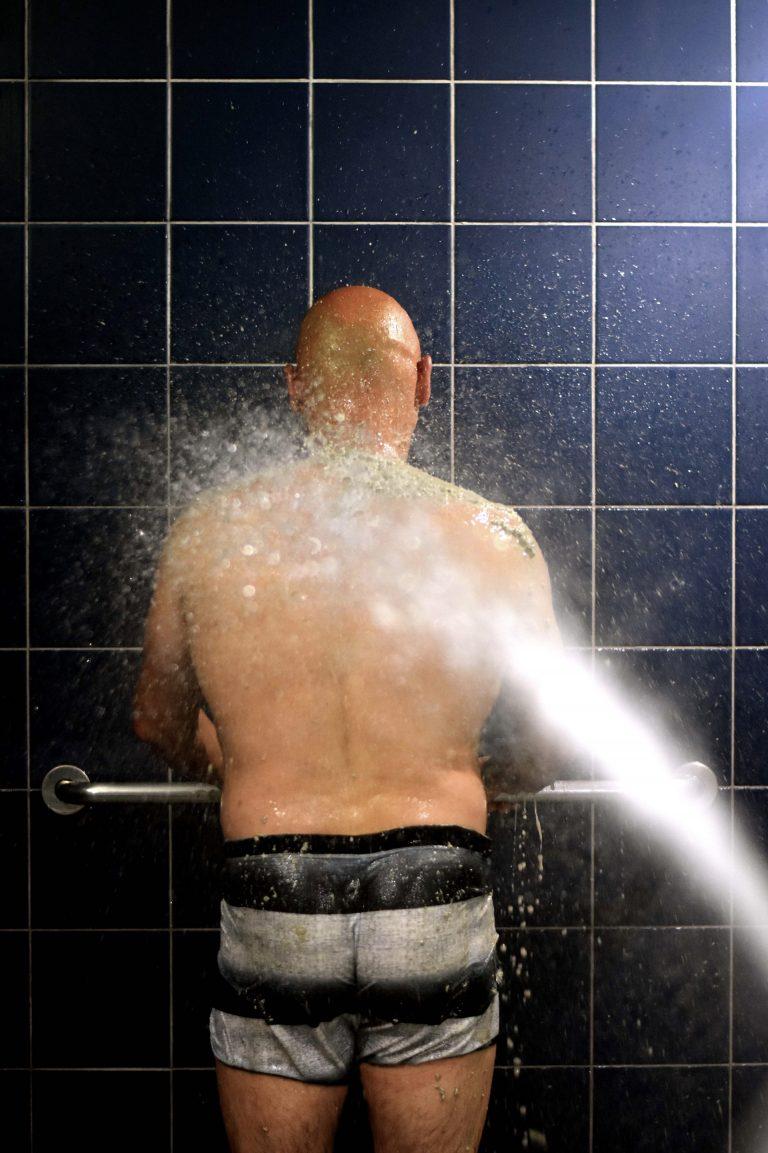 Douche hydromassante à la station thermale de Rennes-les-Bains