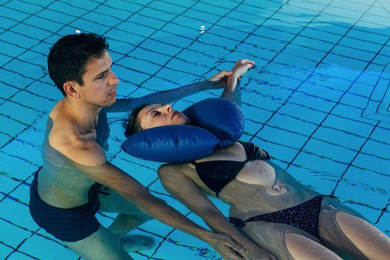 Soin en piscine aux thermes de Barèges-Barzun